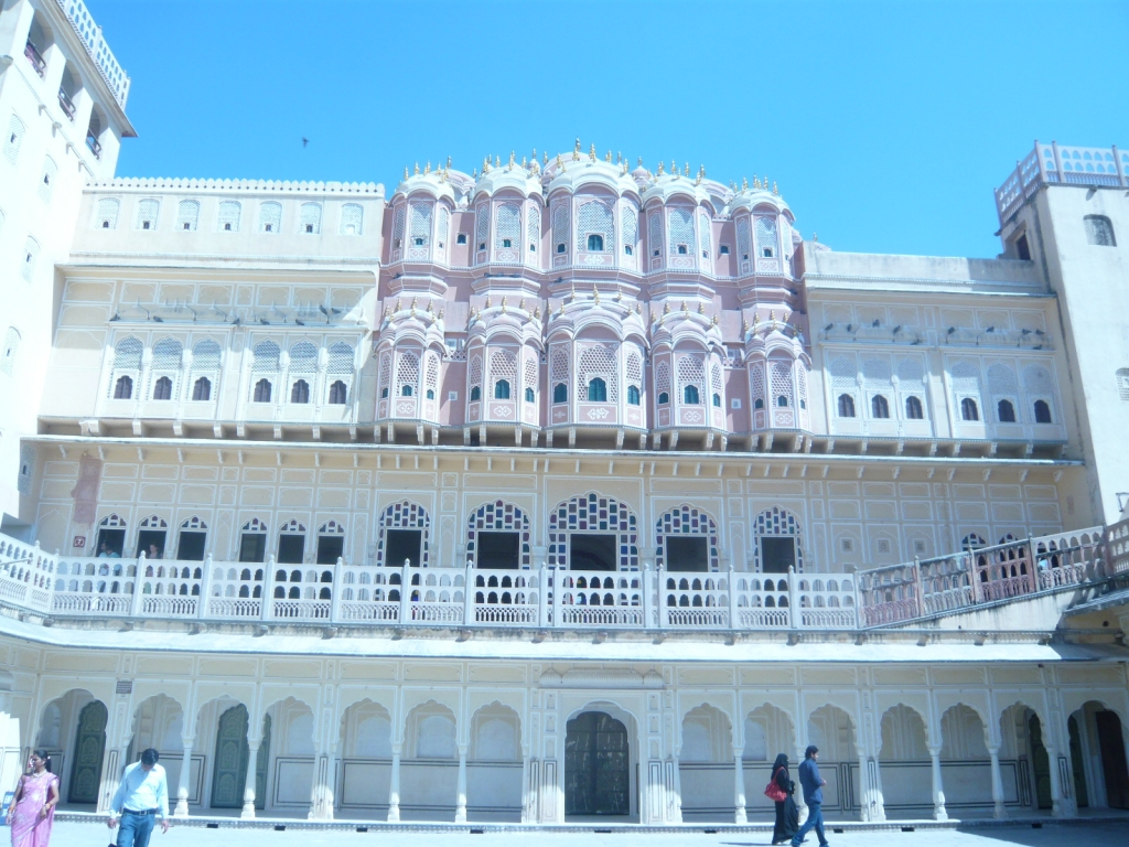 Walking in Hawa Mahal, Jaipur : India (Mar'11) 5