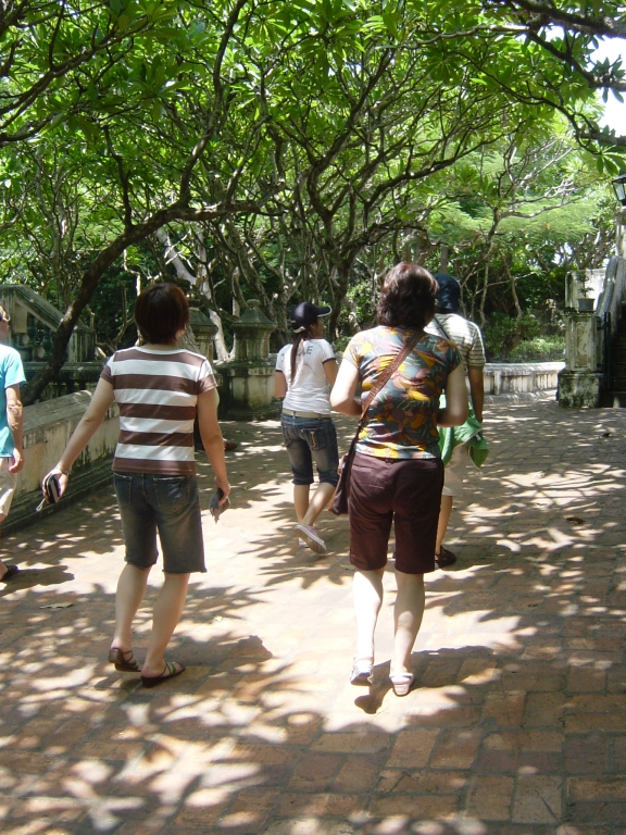 Walking in Hua Hin : Thailand (July'06) 10