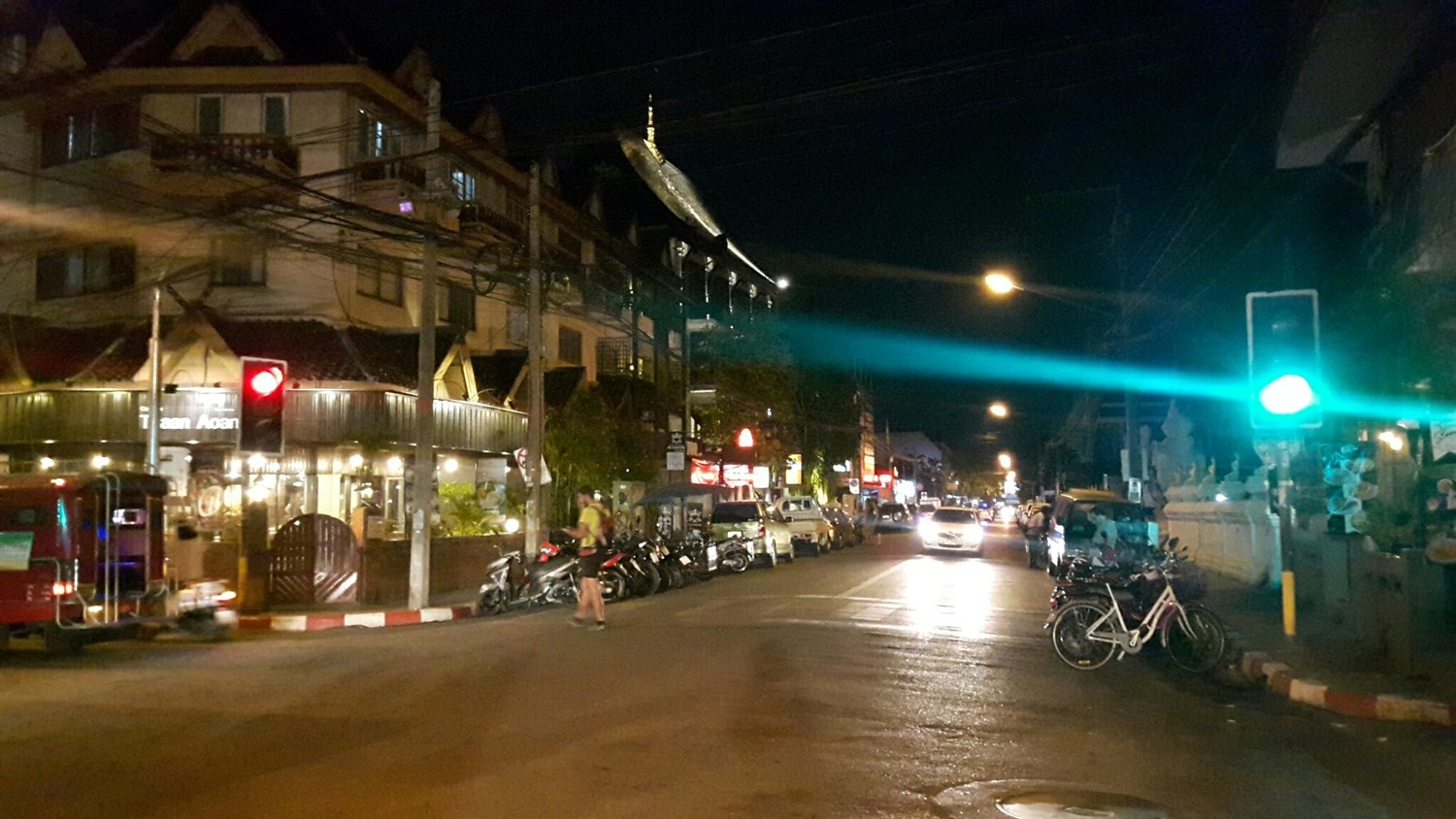 Walking in Chiang Mai City & Night Market : Thailand (Apr'17) 9