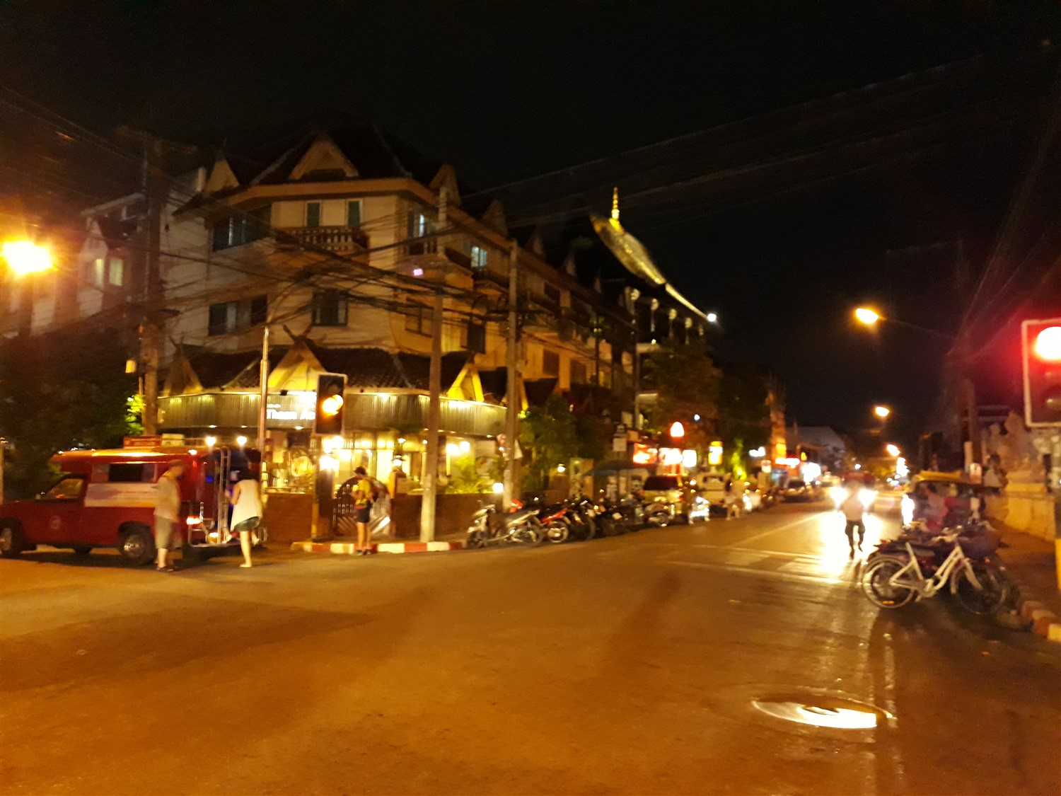 Walking in Chiang Mai City & Night Market : Thailand (Apr'17) 12