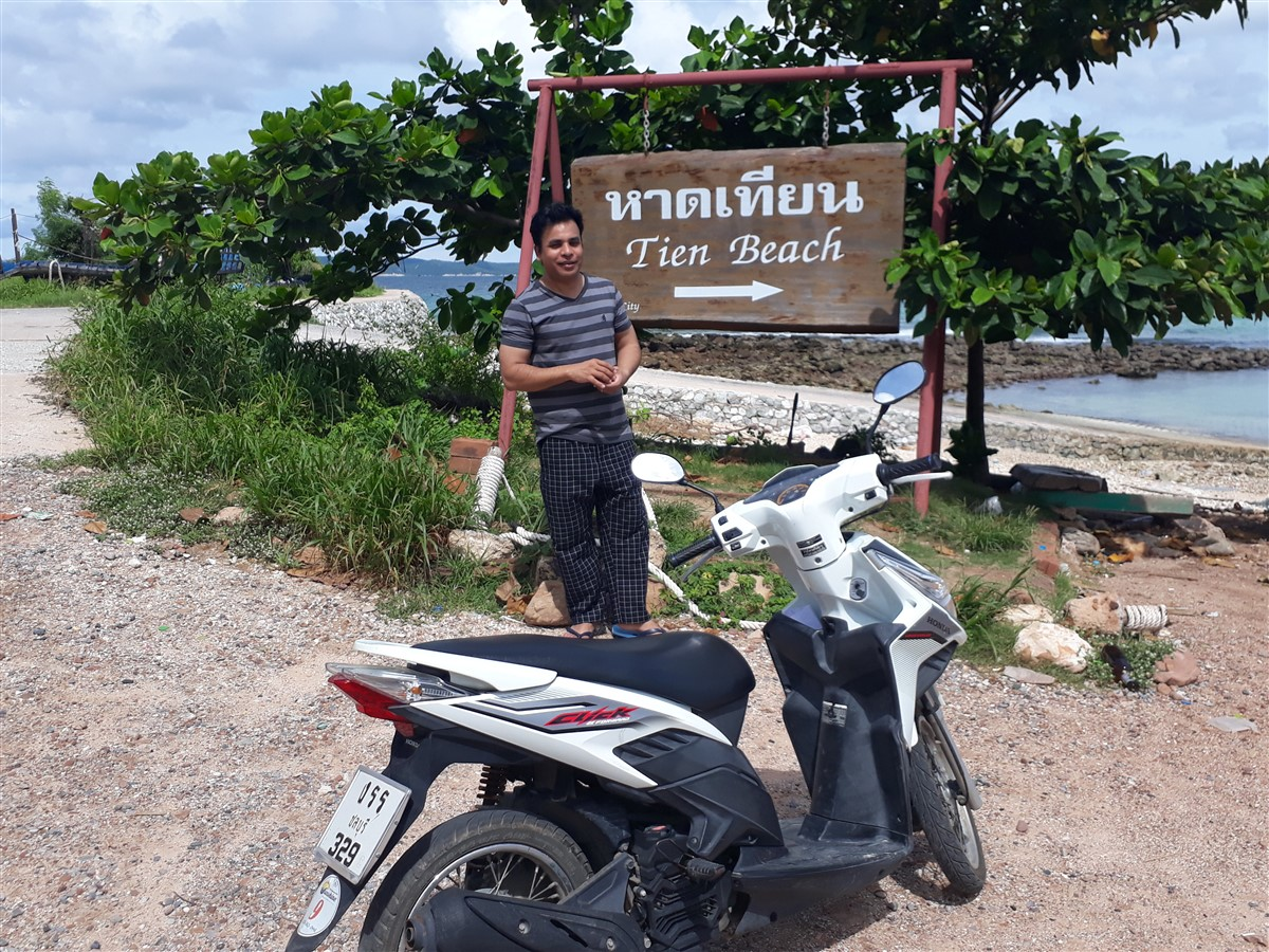 Walking in Koh Larn, Pattaya : Thailand (Sep'17) 4