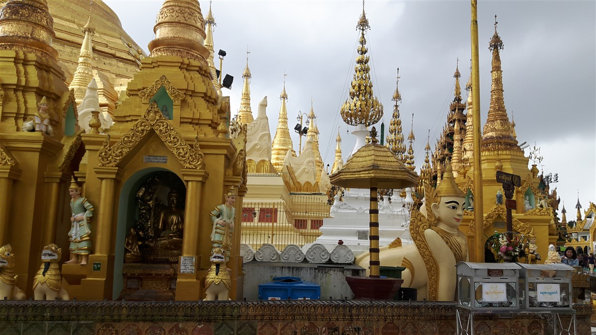 Walking in Yangon City : Myanmar (Aug'18) 47