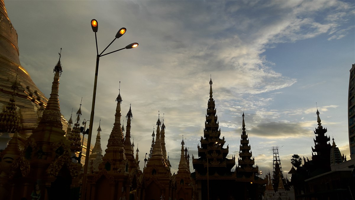 Walking in Yangon City : Myanmar (Aug'18) 34