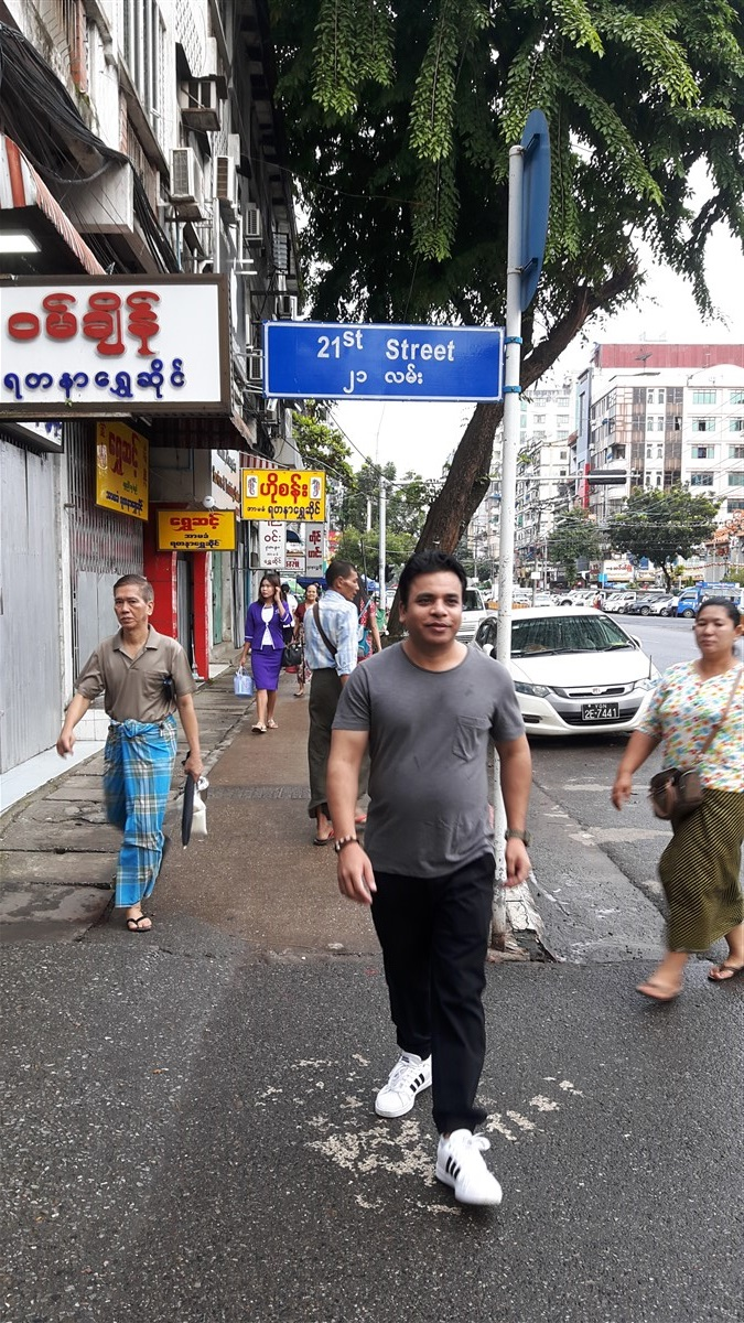 Walking in Yangon City : Myanmar (Aug'18) 78