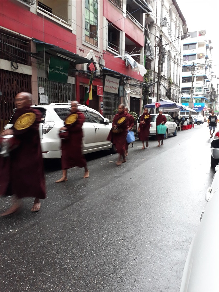 Walking in Yangon City : Myanmar (Aug'18) 79