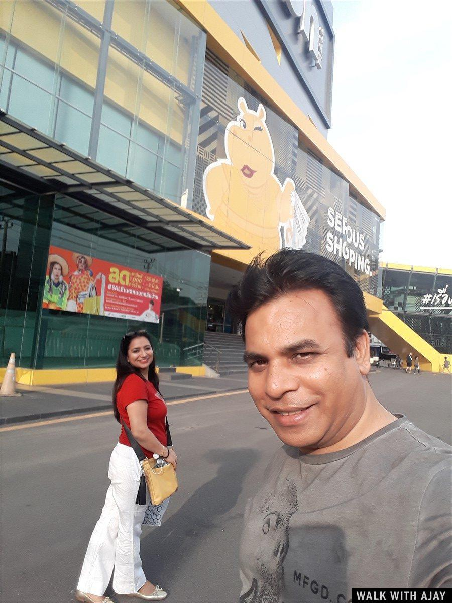 Selfie with sister out side Union shopping mall